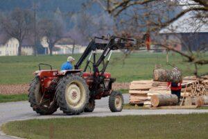 Siłowniki hydrauliczne - jak sprawdzają się w rolnictwie?